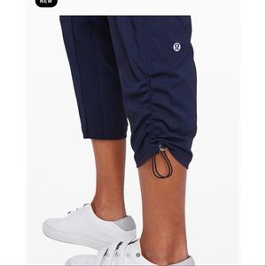 LULULEMON Athletica—Studio Pant in Navy